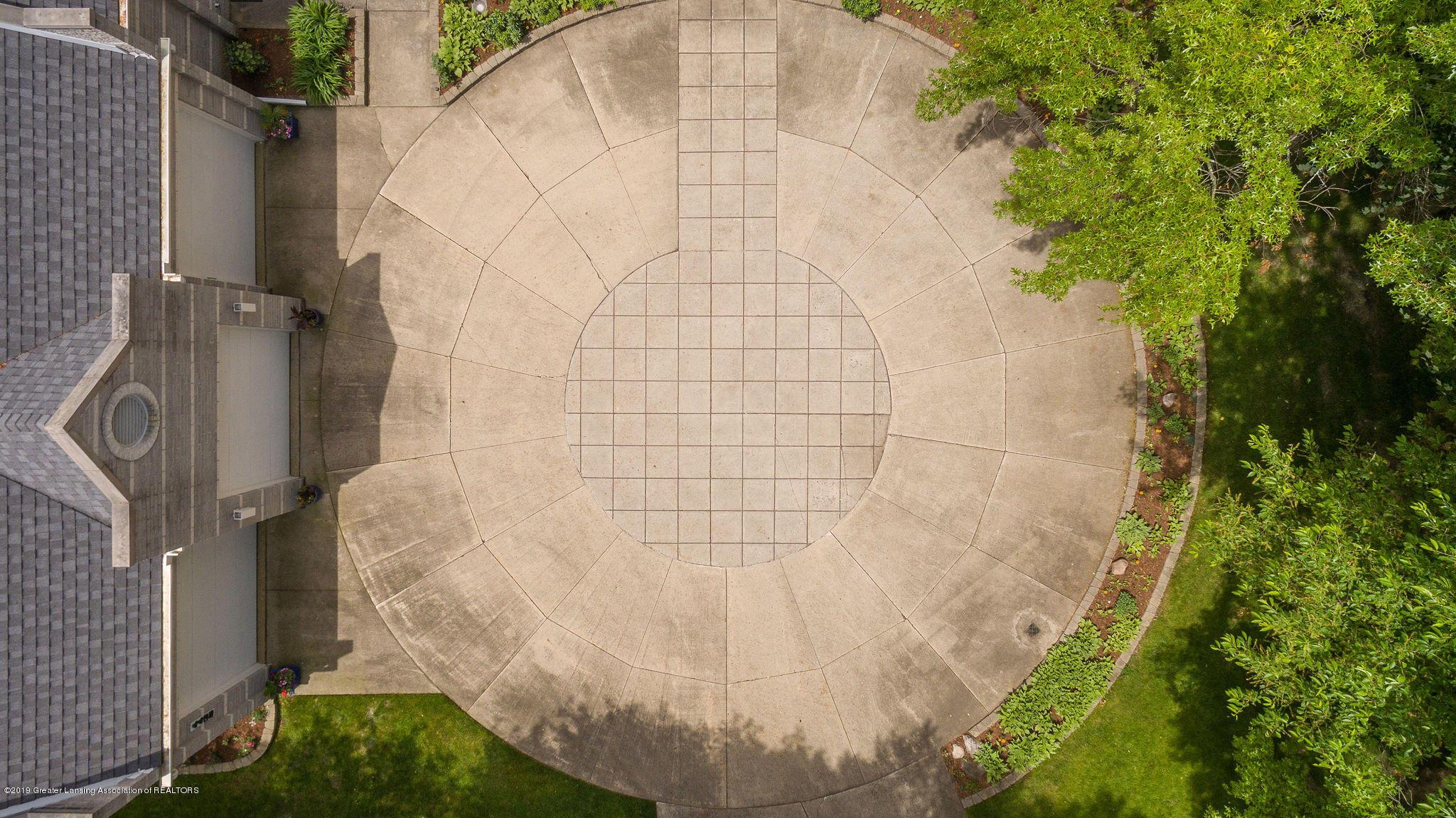 4435 Oak Pointe Ct - Aerial Driveway - 5