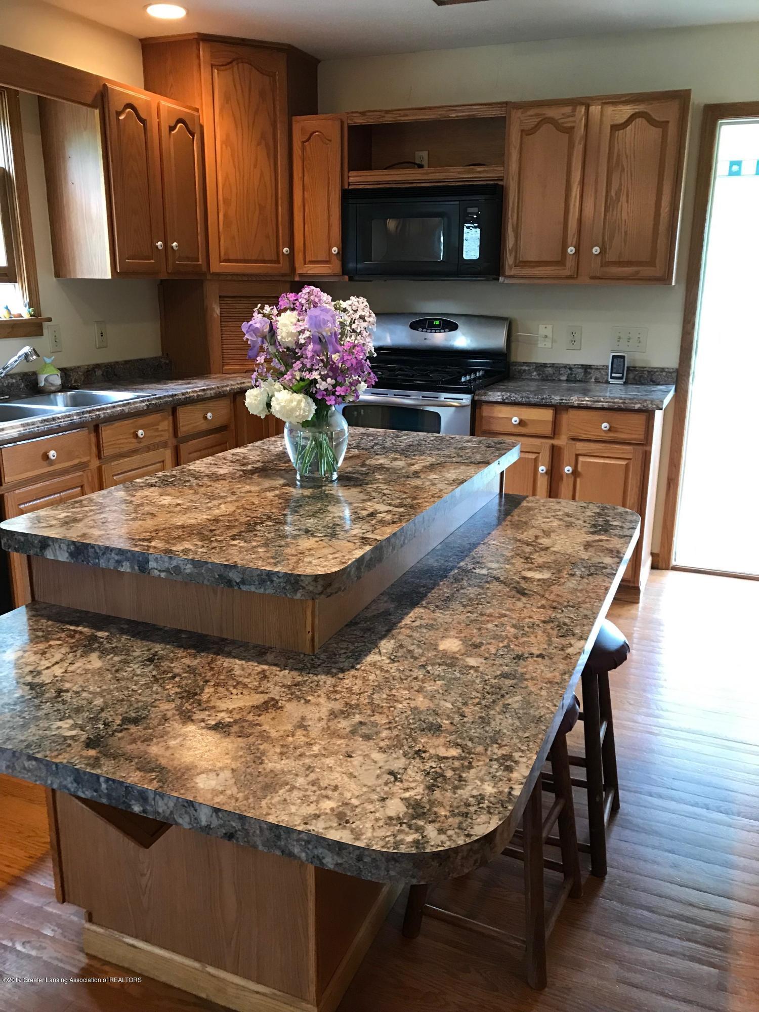 11840 Wood Rd - Kitchen - 5