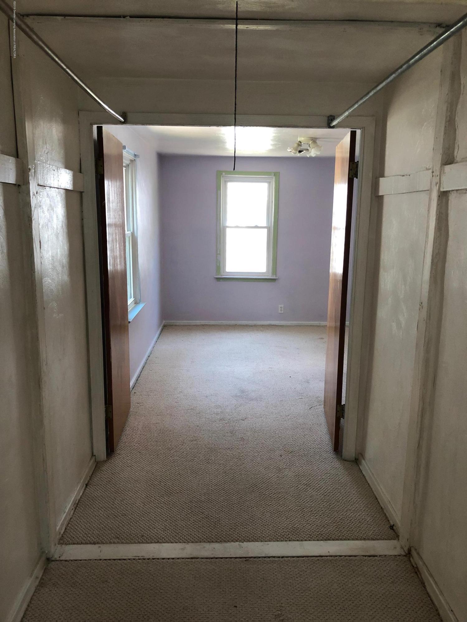 2918 Timber Dr - Hallway - 10