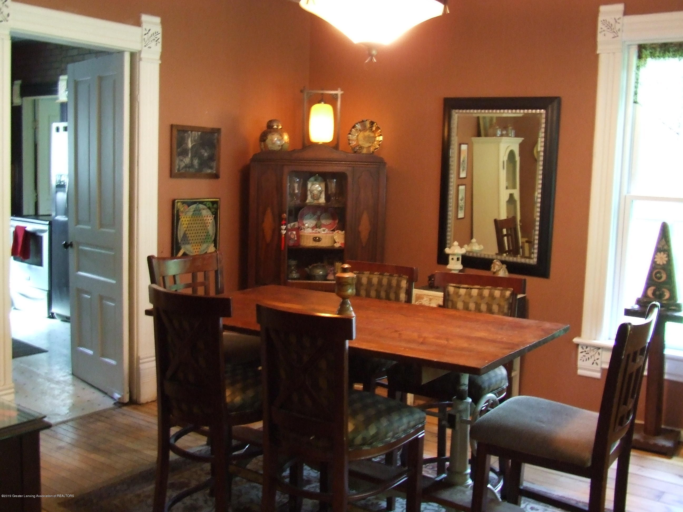 1010 W Main St - Dining room - 8
