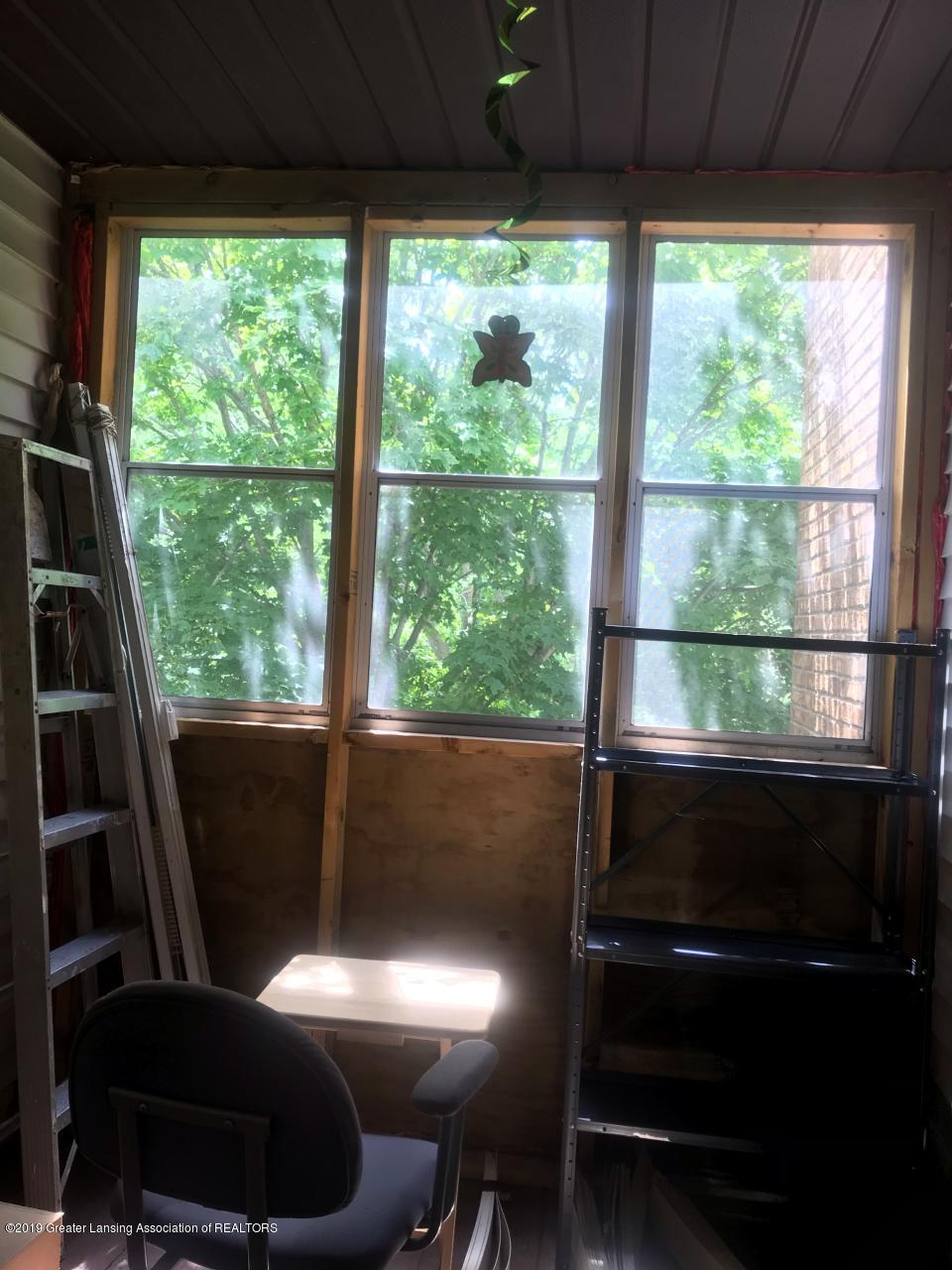 1563 West Pond Drive 30 - Screened in porch - 11