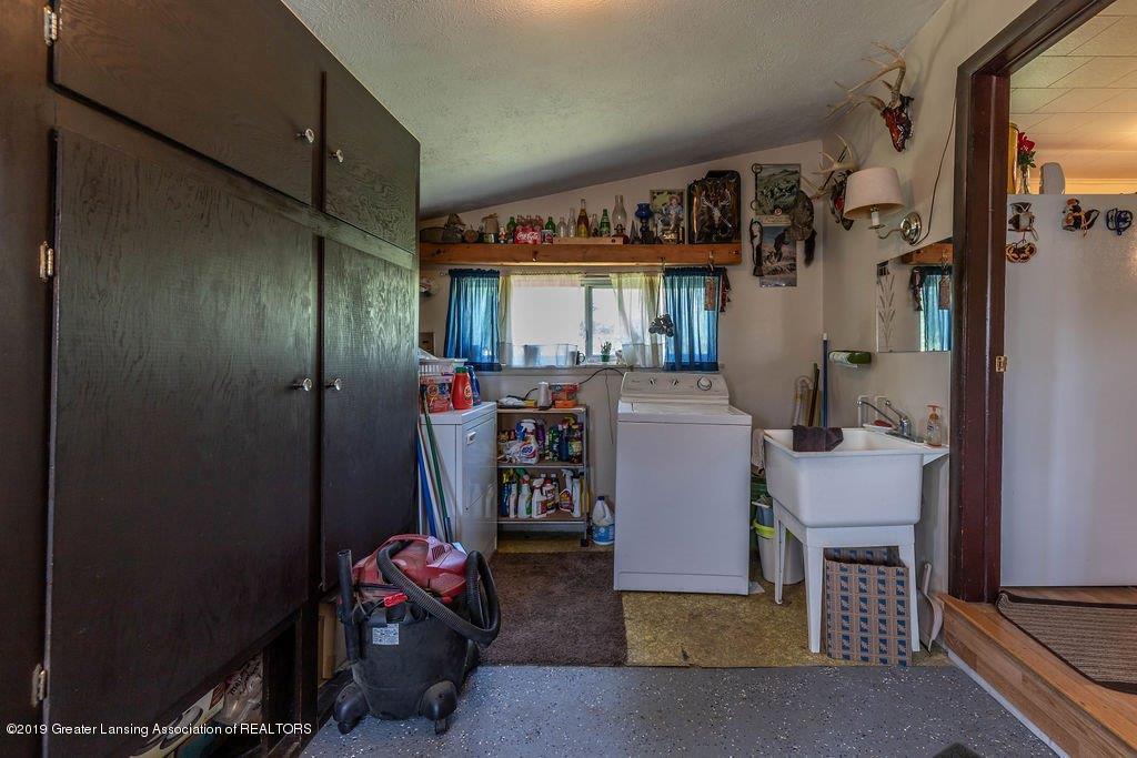 9850 Beeman Rd - beemanlaundry(1of1) - 18