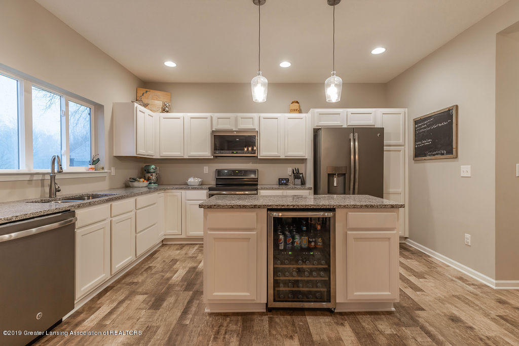 1915 Keegan Ct - Kitchen - 13