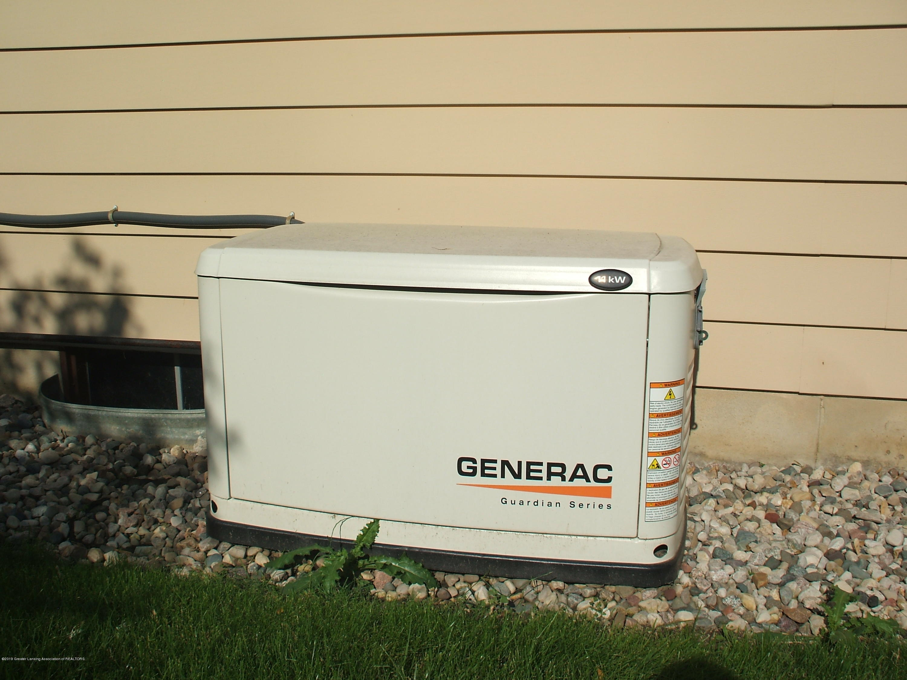 807 W McConnell St - Generator - 9