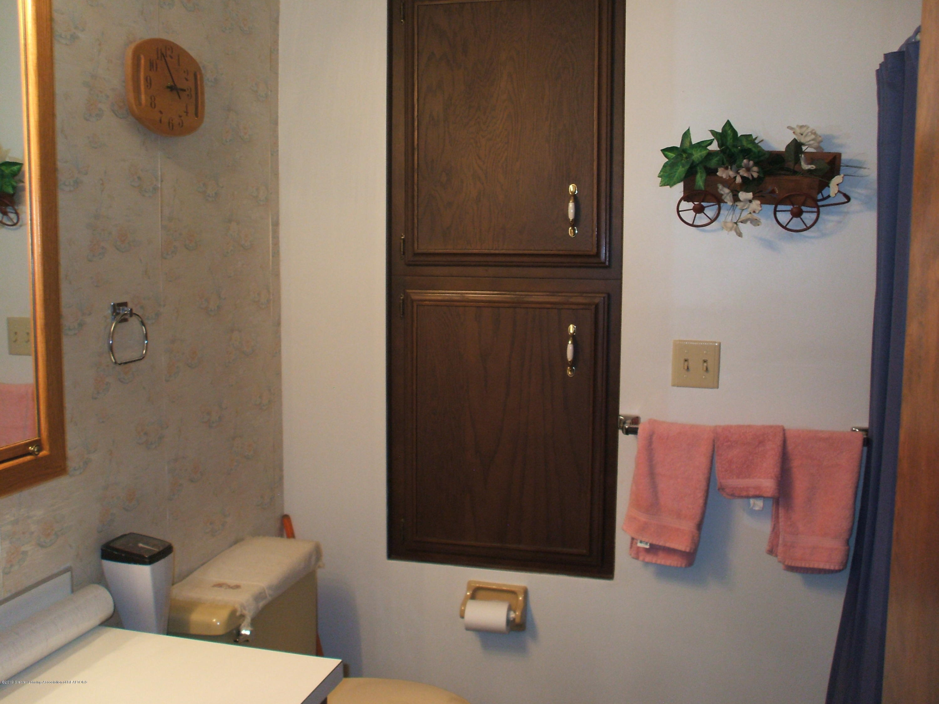 807 Mcconnell - Bathroom - 22