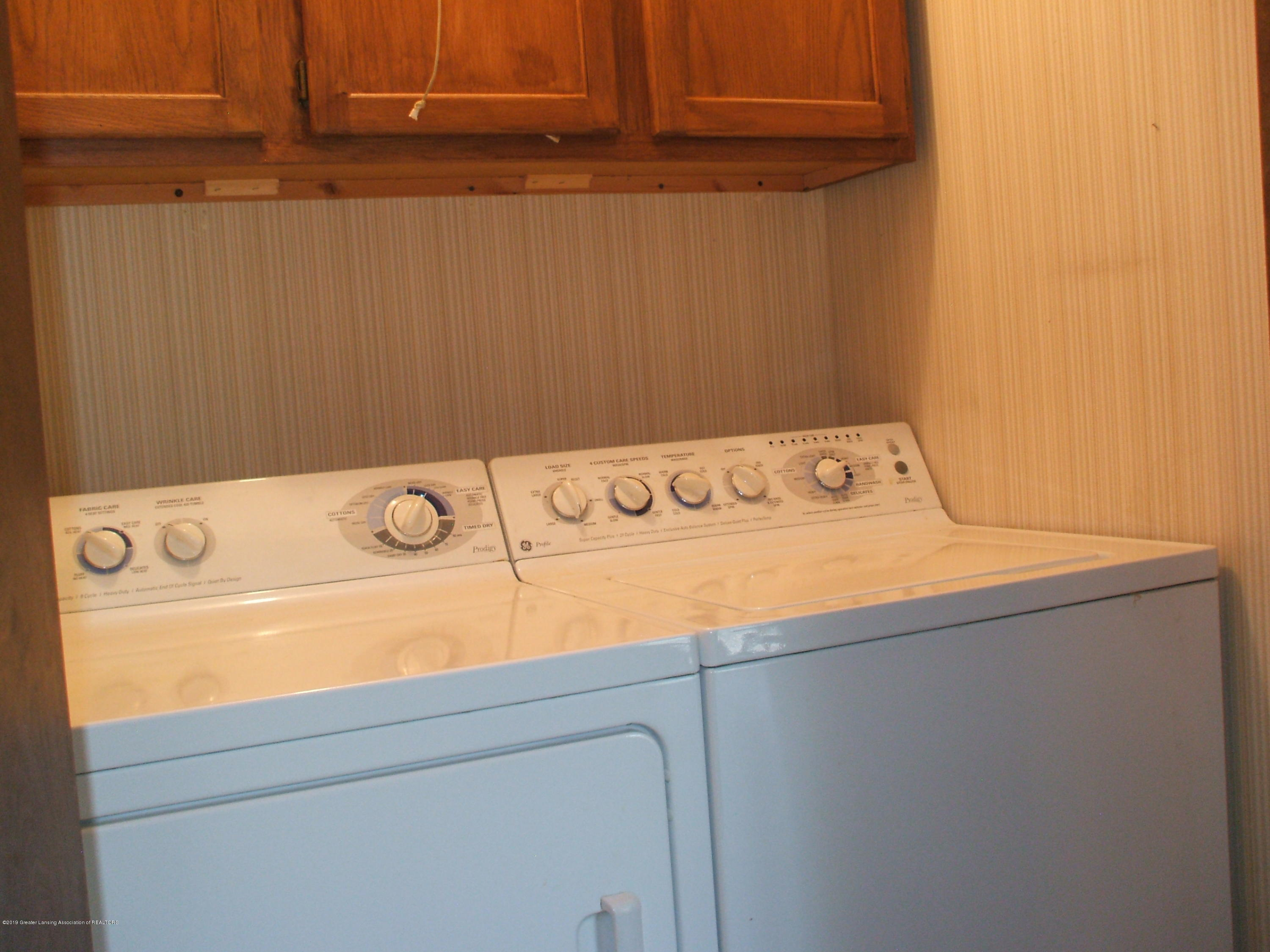 807 W McConnell St - Laundry - 31