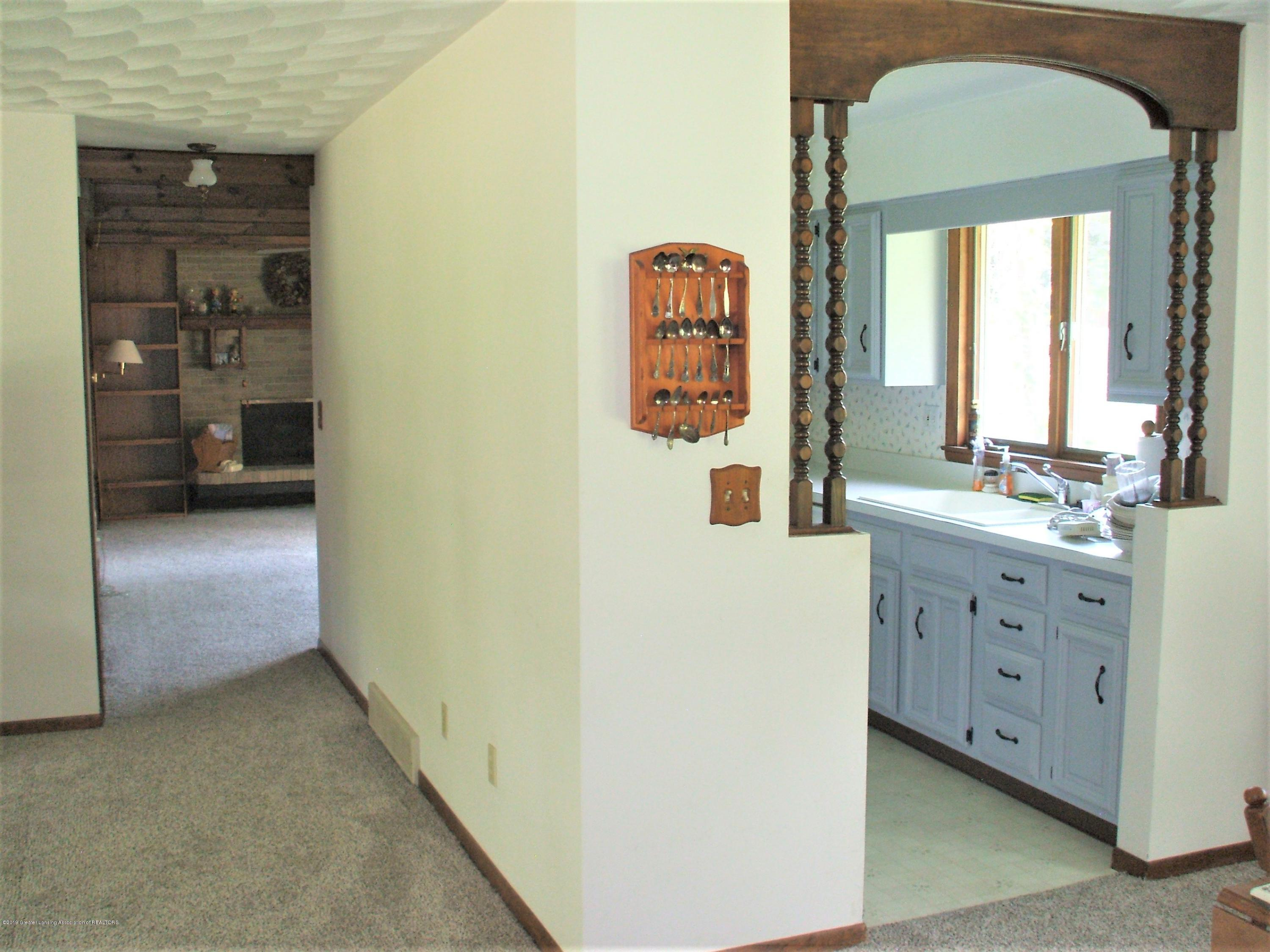 807 W McConnell St - Kitchen/Family room - 19