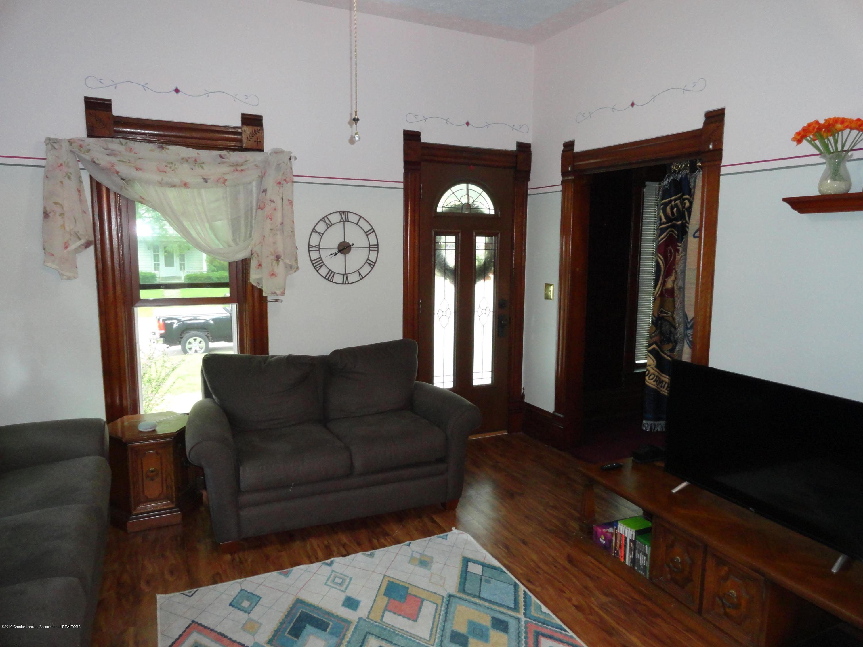 524 E Scott St - 4 Living Room - 4