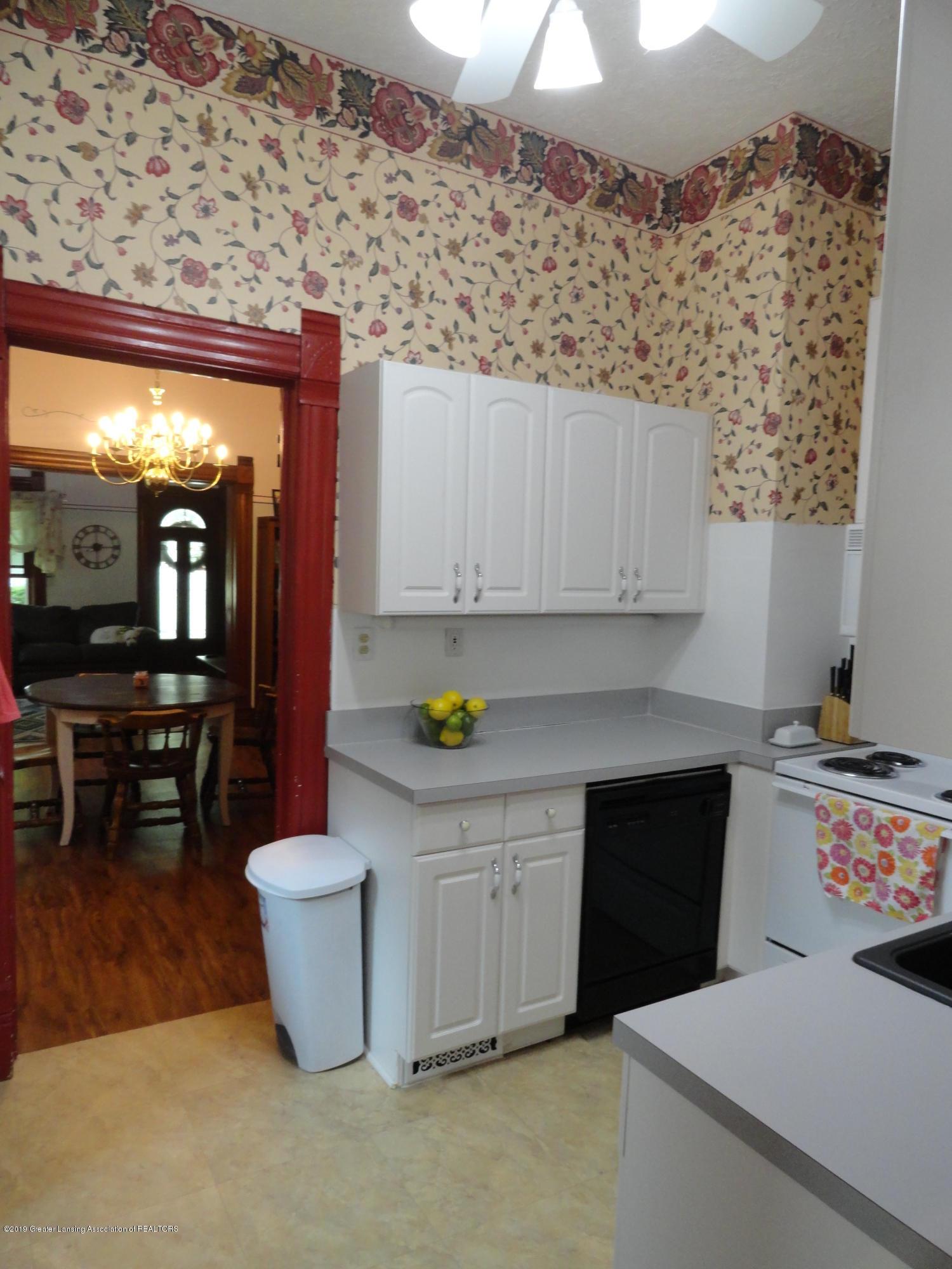 524 E Scott St - 10 Kitchen 3 - 10