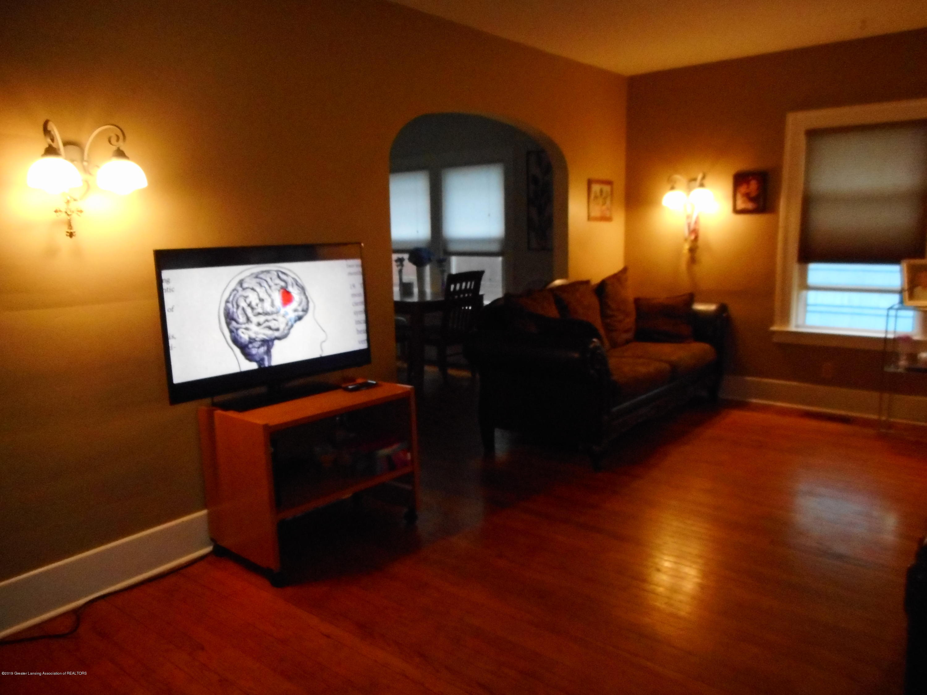 1235 Climax St - Living room - 4