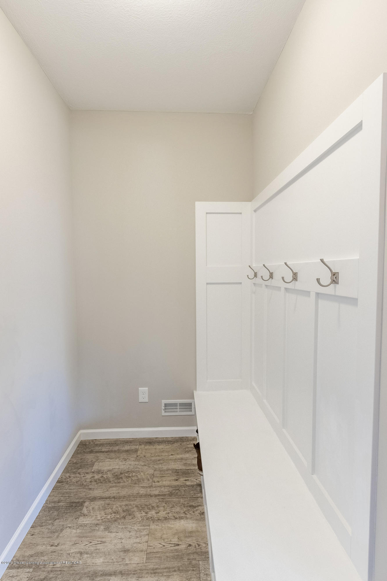 3574 Beal Ln - Mud Room - 22
