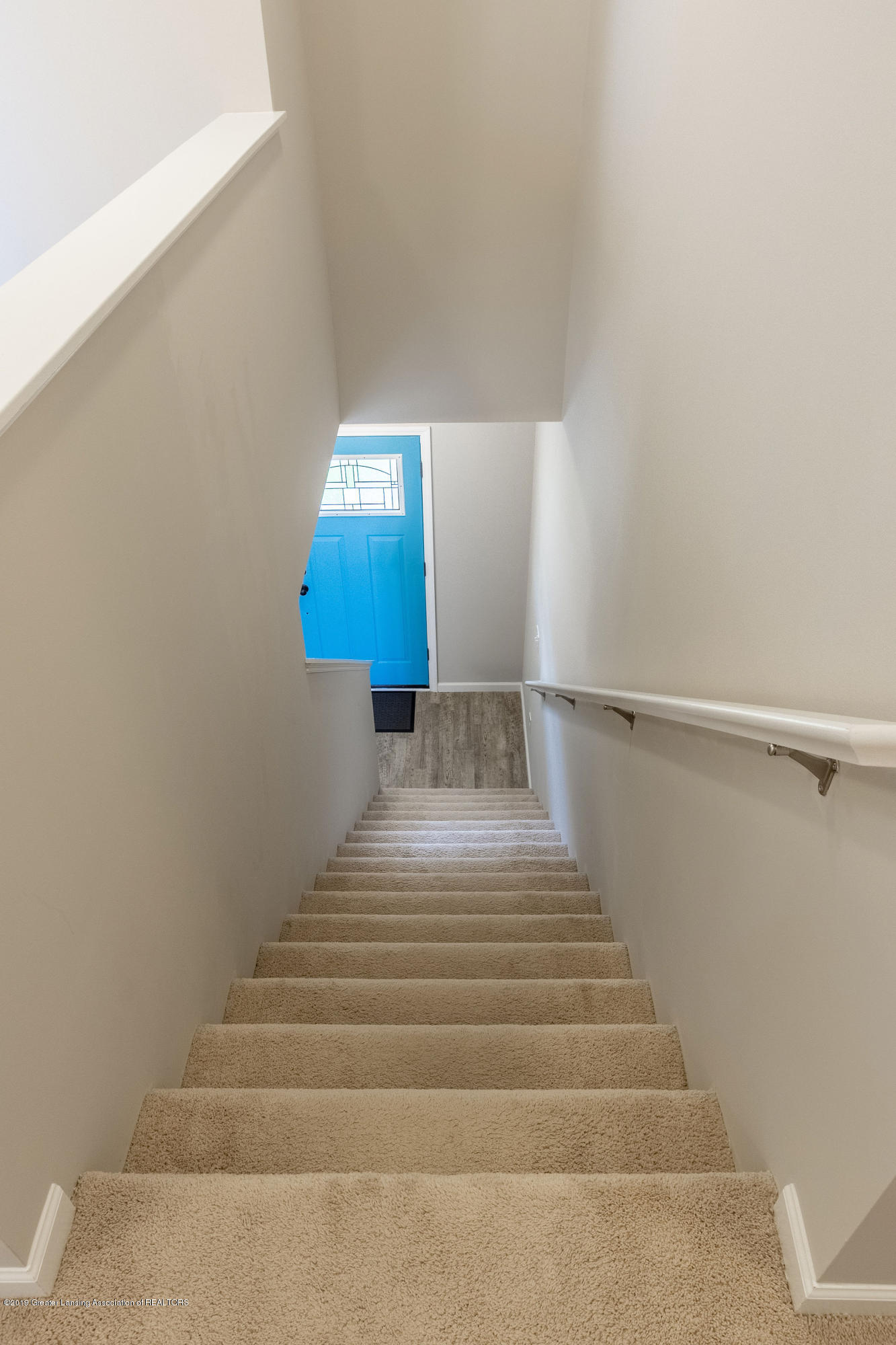 3574 Beal Ln - Stairs to Upper Level - 23