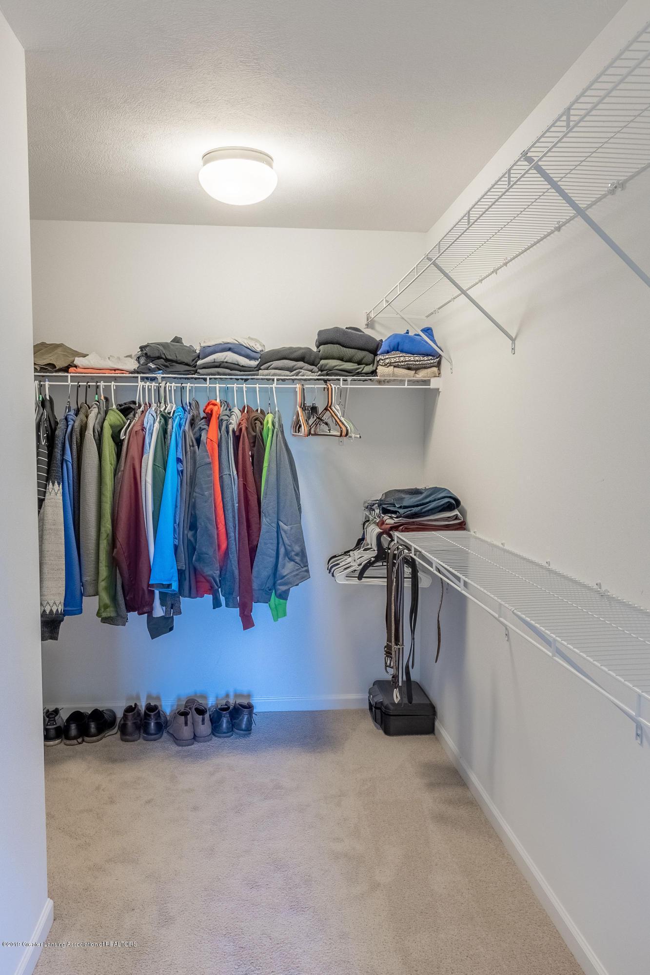 3574 Beal Ln - Master Walk-In Closet - 27