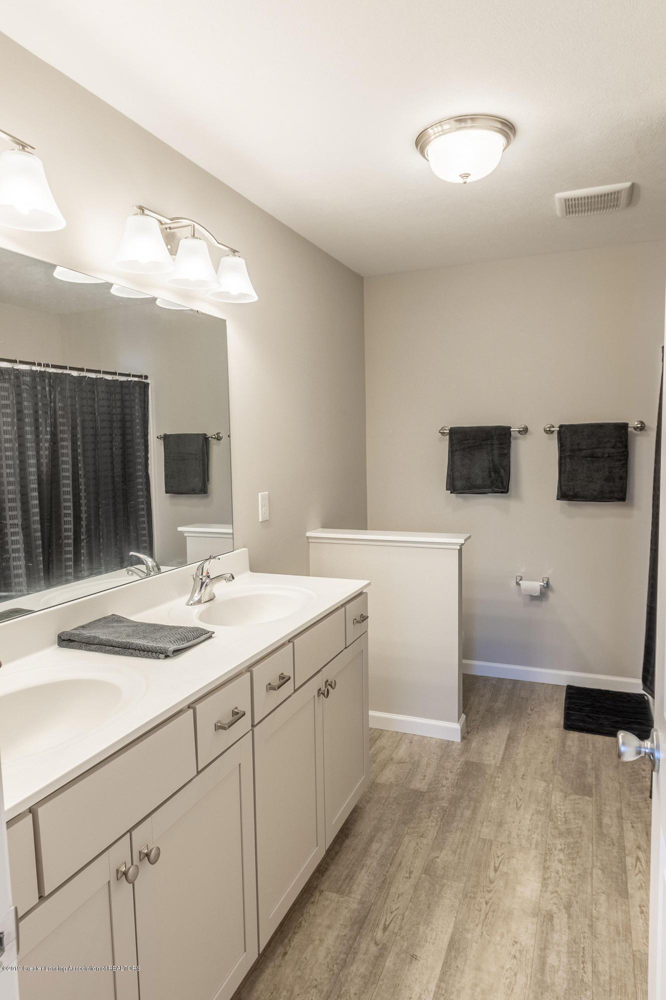 3574 Beal Ln - Master Bathroom - 28