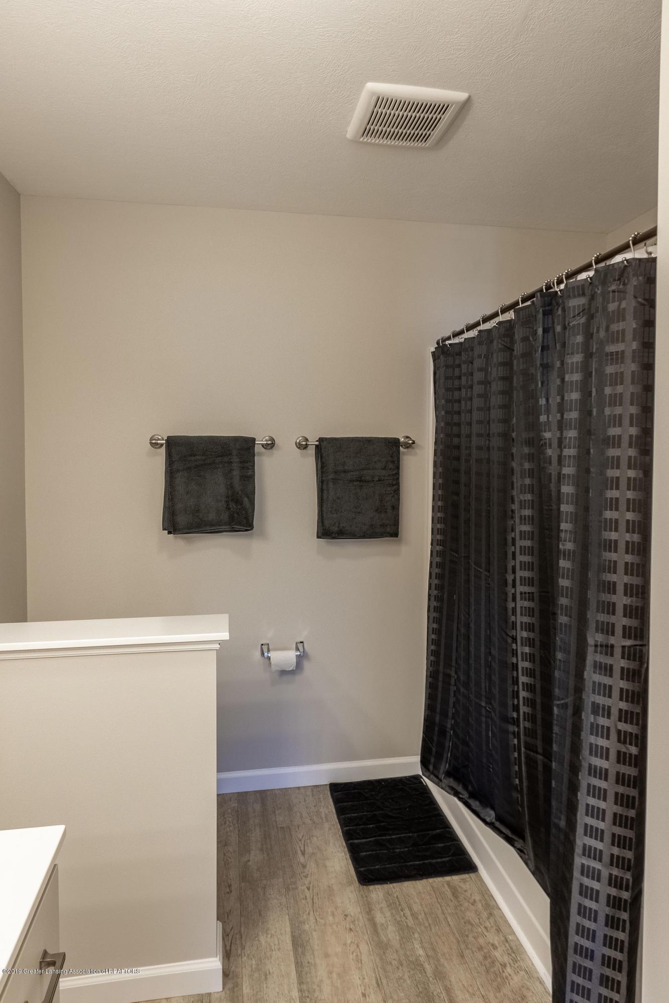 3574 Beal Ln - Master Bathroom - 29