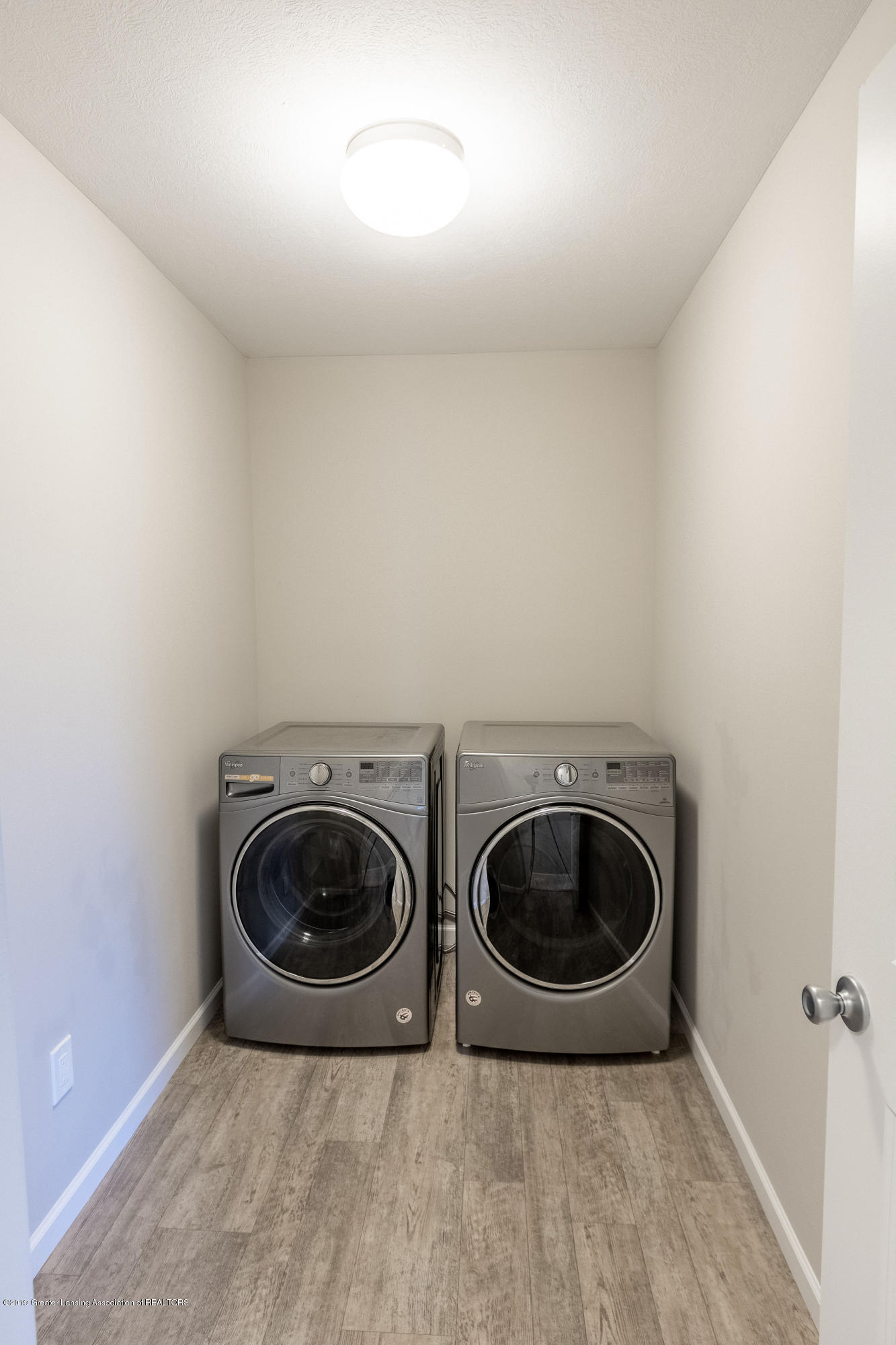 3574 Beal Ln - 2nd Floor Laundry - 38