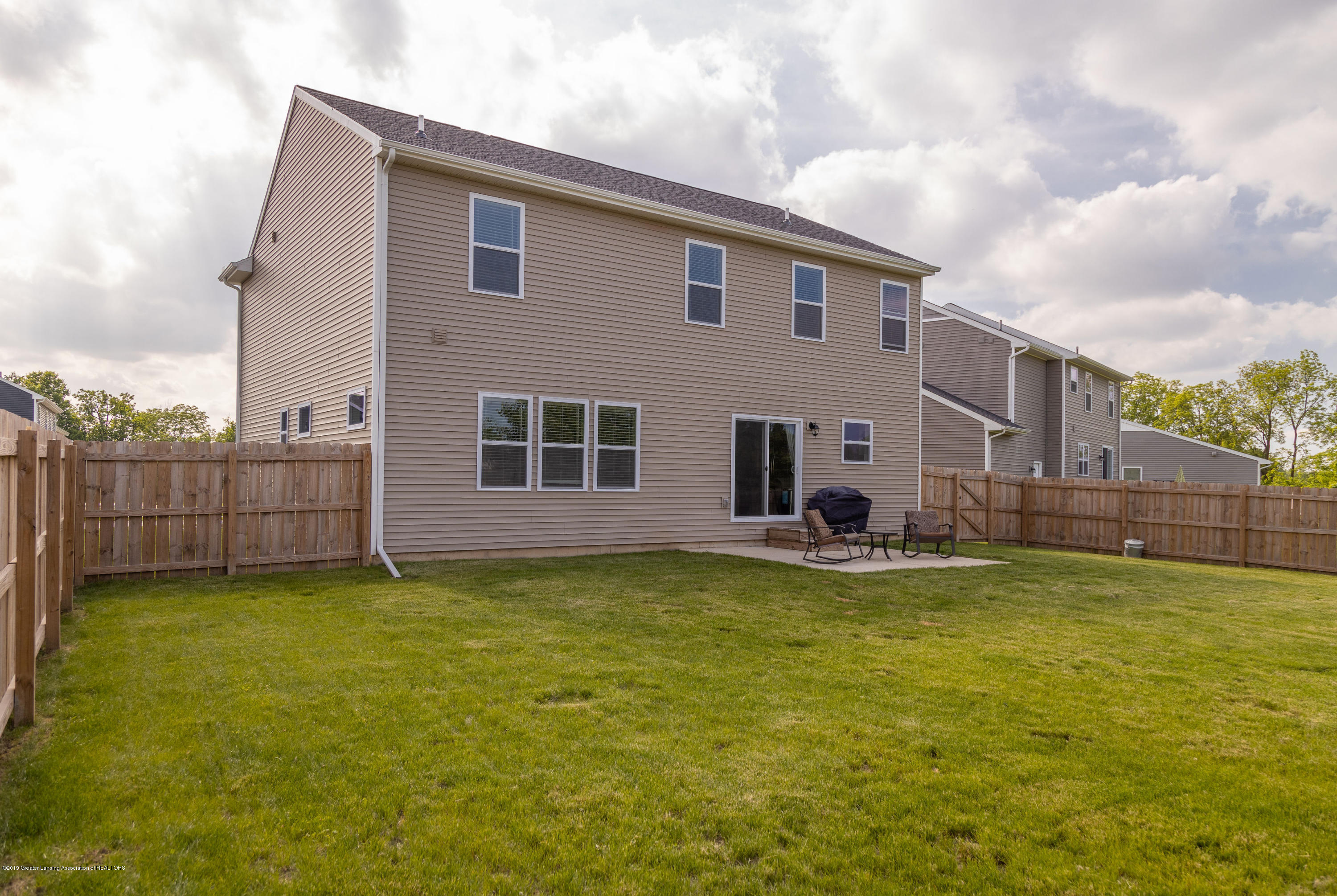 3574 Beal Ln - Back View - 40