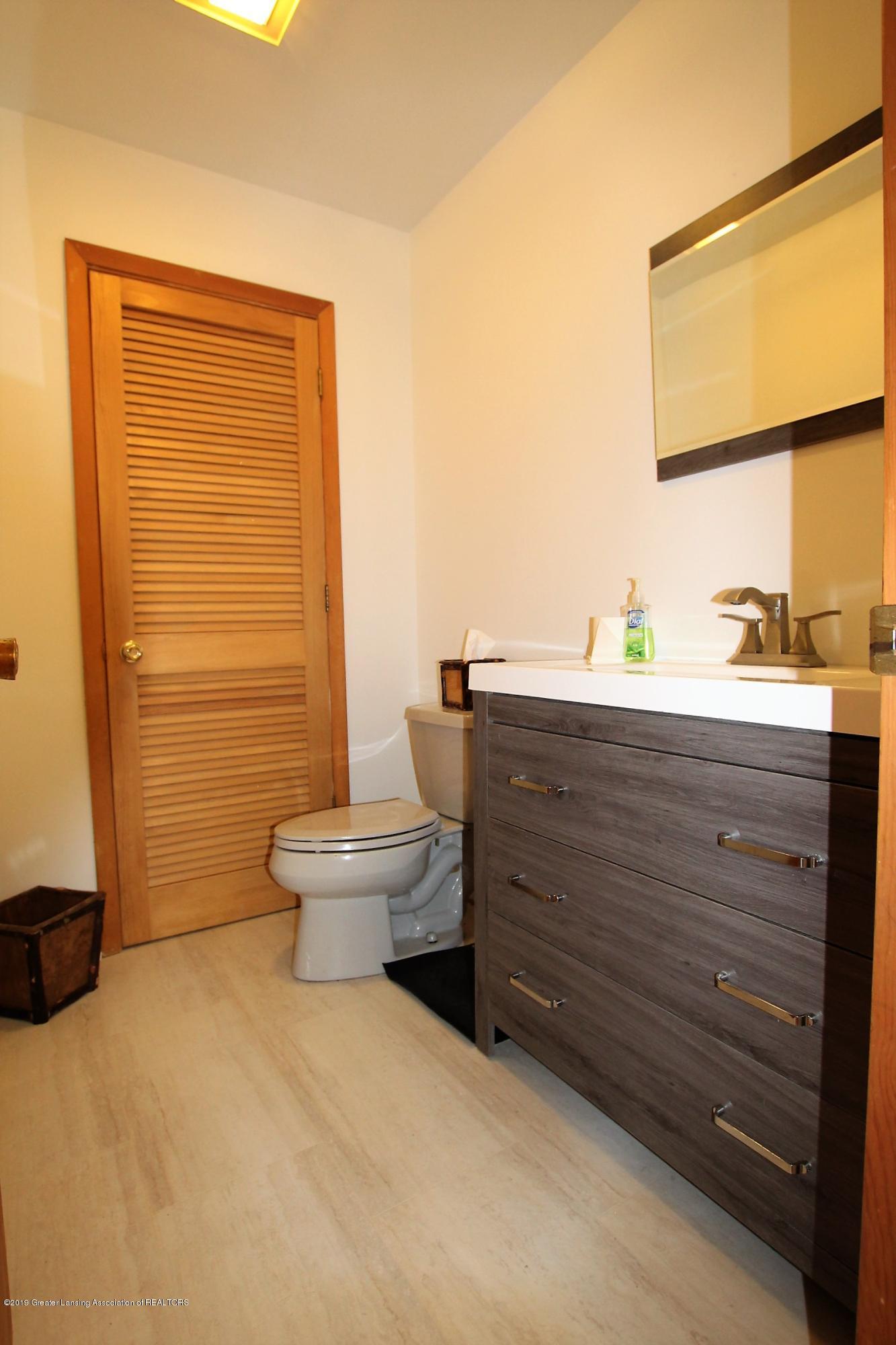 8500 Woodbury Rd - Half Bath - 23