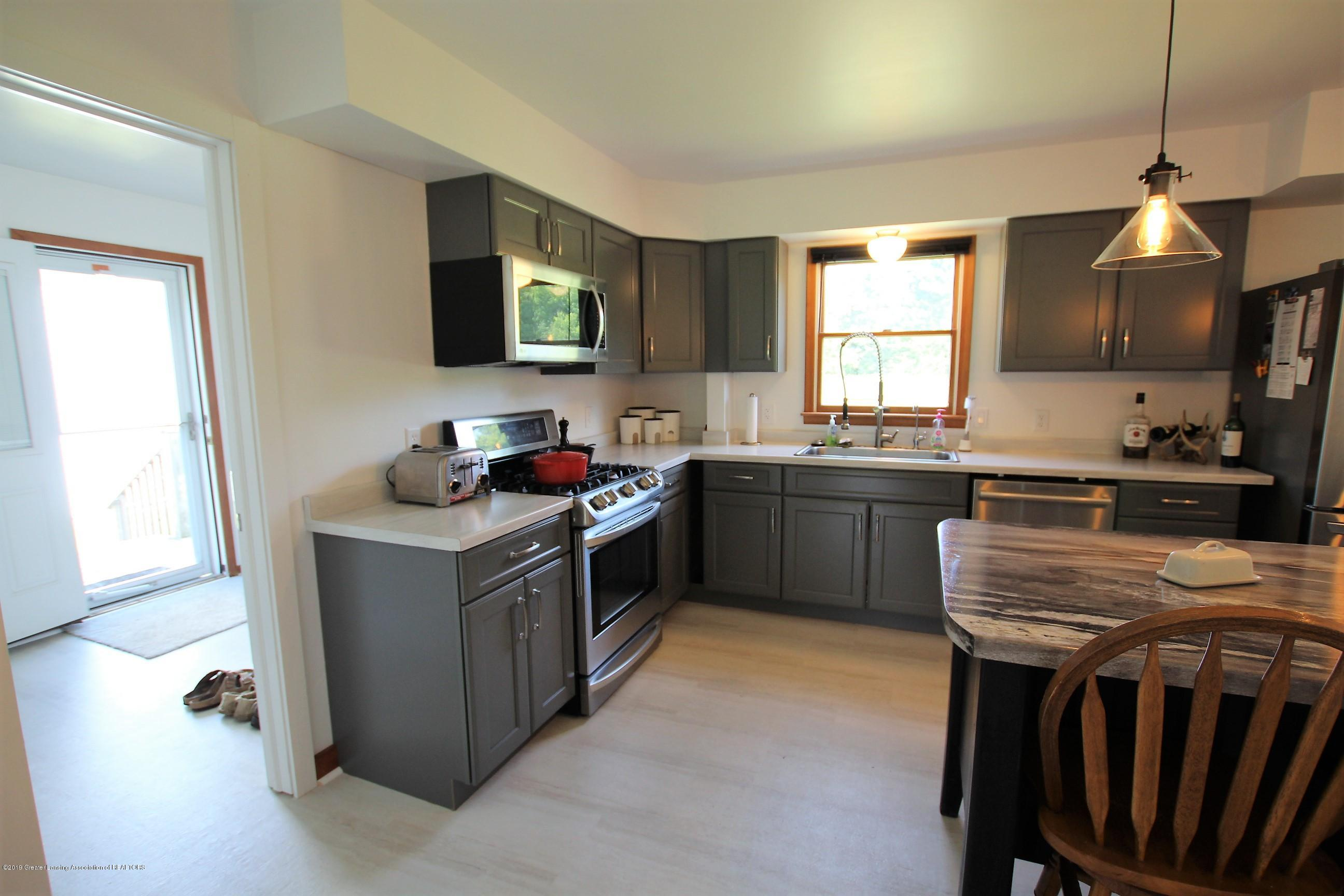 8500 Woodbury Rd - Kitchen - 18