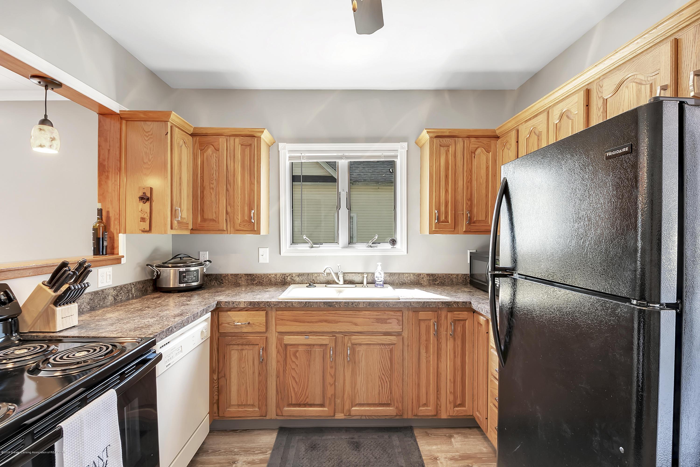 303 Warren Ave - 303-Warren-Charlotte-windowstill-13 - 19