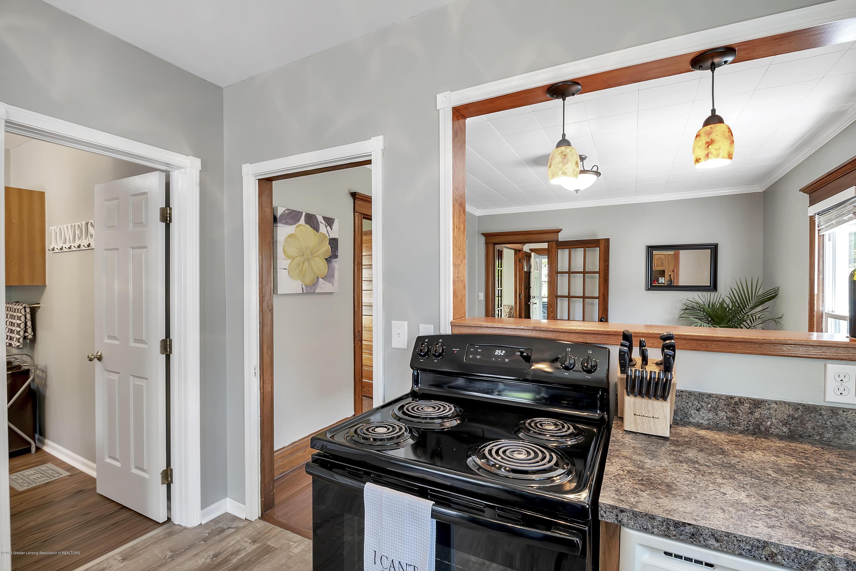 303 Warren Ave - 303-Warren-Charlotte-windowstill-14 - 20