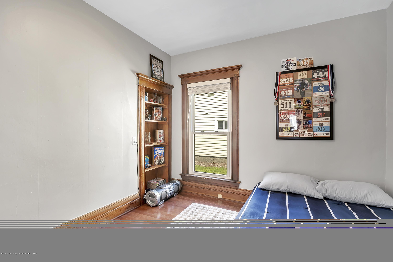 303 Warren Ave - 303-Warren-Charlotte-windowstill-18 - 24