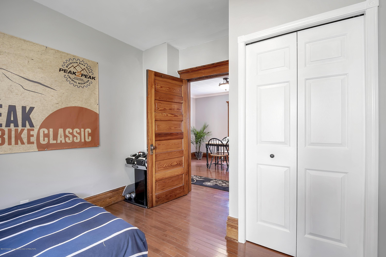 303 Warren Ave - 303-Warren-Charlotte-windowstill-19 - 25