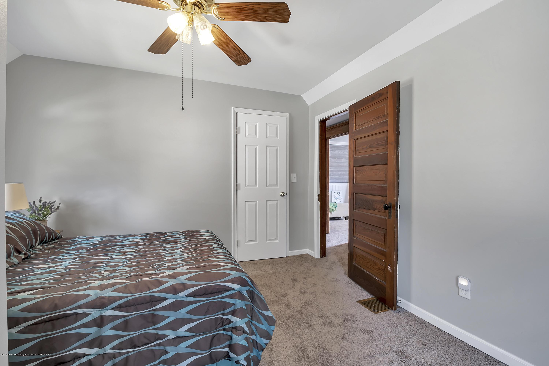 303 Warren Ave - 303-Warren-Charlotte-windowstill-24 - 30