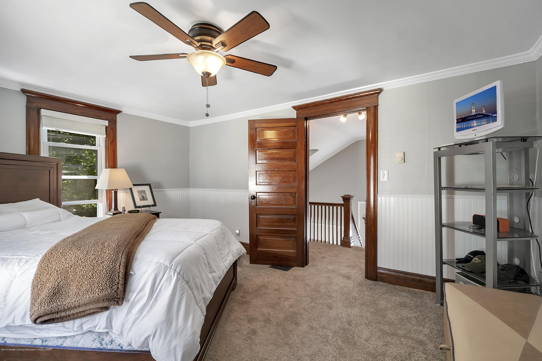 303 Warren Ave - 303-Warren-Charlotte-windowstill-28 - 34