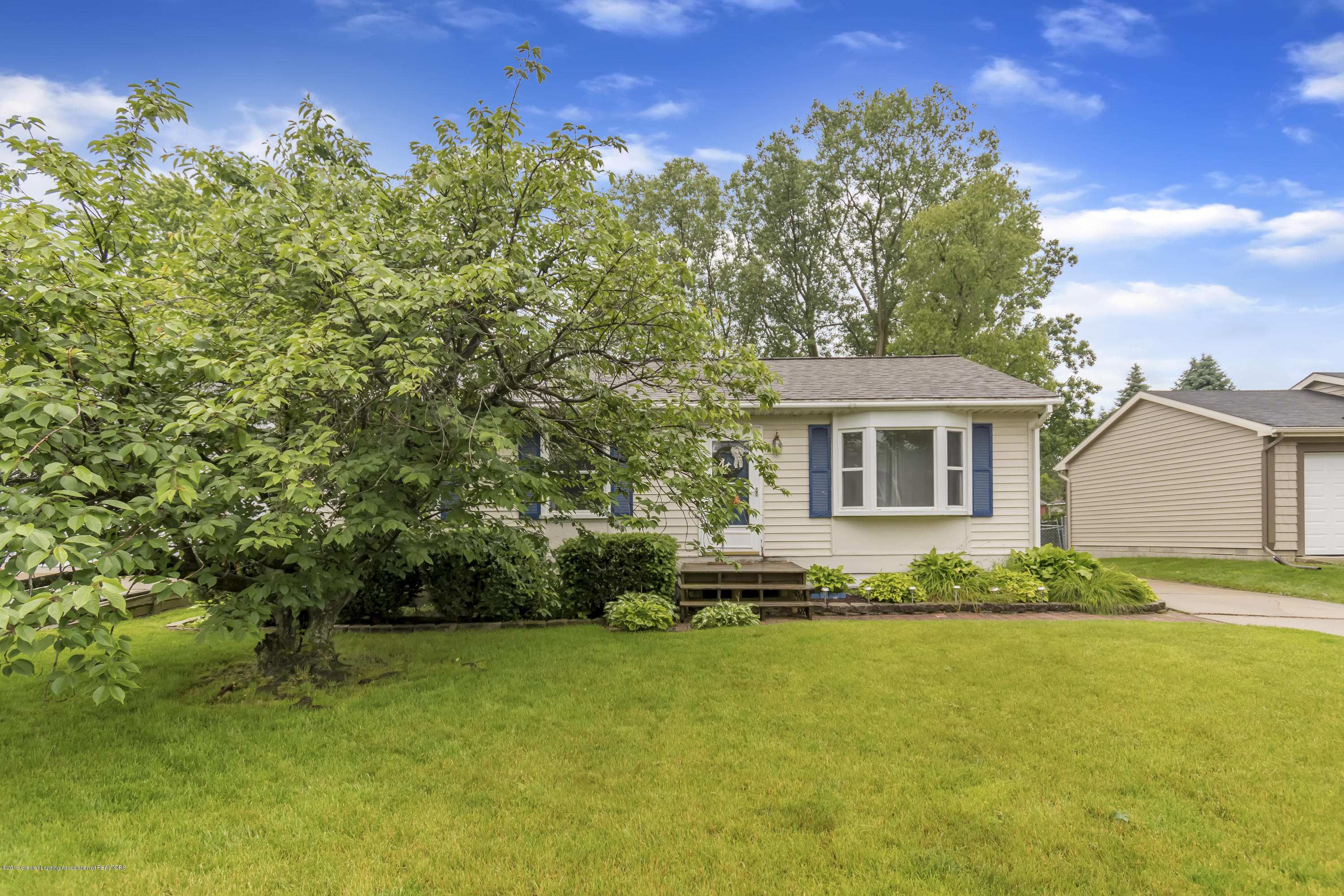 5736 Coulson Ct - 5736-Coulson-Ct-Lansing-MI-windowstill-3 - 3