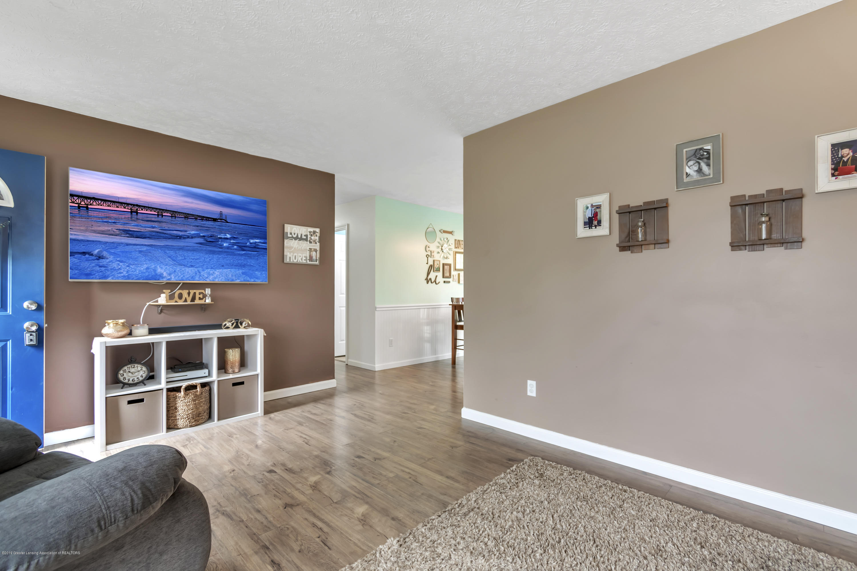 5736 Coulson Ct - 5736-Coulson-Ct-Lansing-MI-windowstill-1 - 9