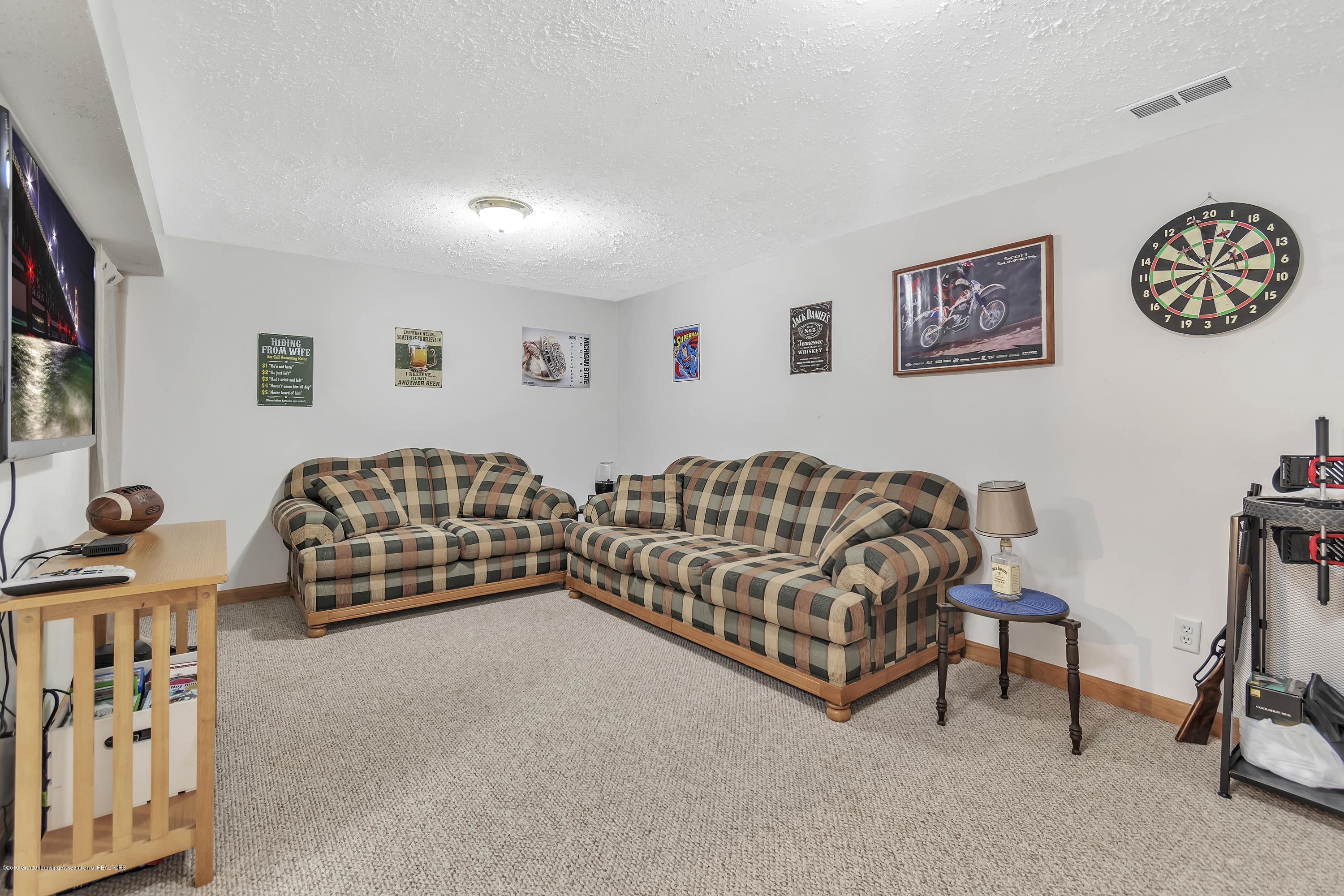 5736 Coulson Ct - 5736-Coulson-Ct-Lansing-MI-windowstill-3 - 32