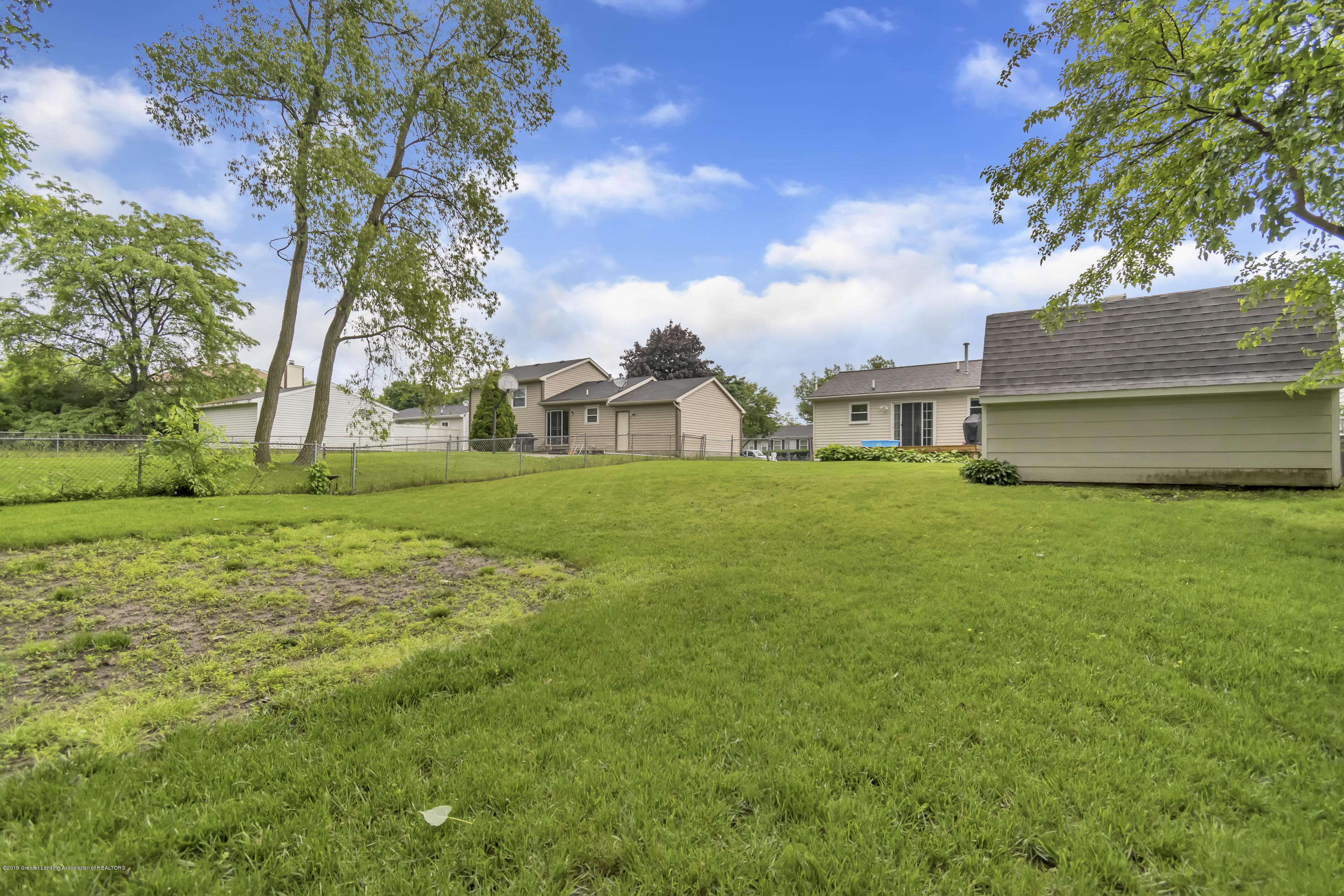 5736 Coulson Ct - 5736-Coulson-Ct-Lansing-MI-windowstill-3 - 37