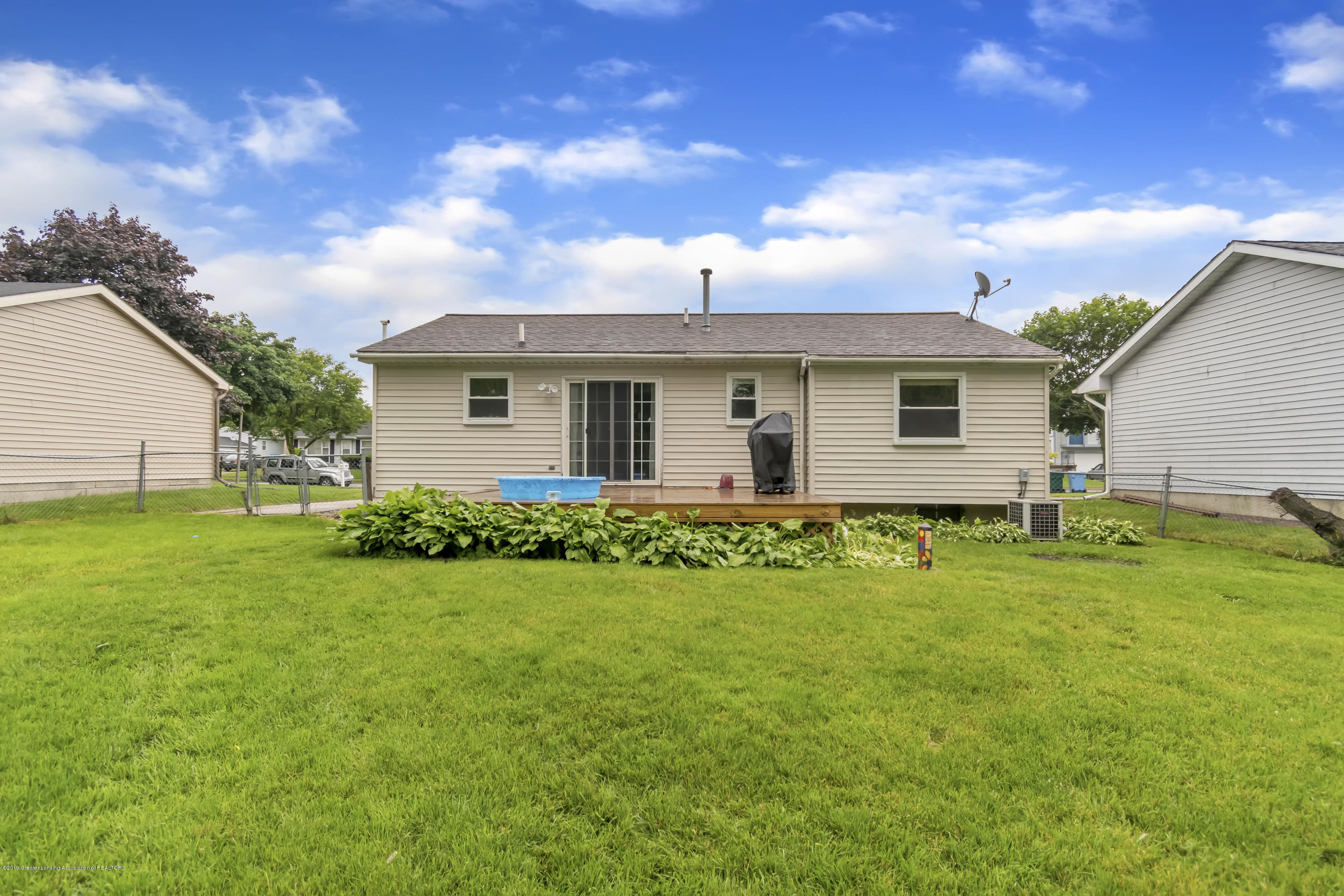 5736 Coulson Ct - 5736-Coulson-Ct-Lansing-MI-windowstill-3 - 38