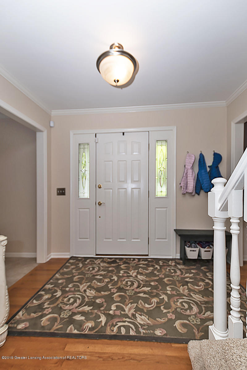 965 Whittier Dr - Foyer - 3