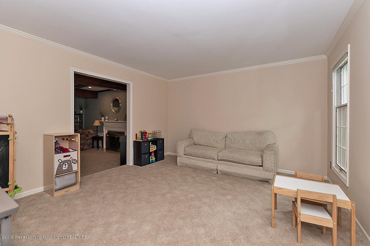 965 Whittier Dr - Formal Living Room - 11