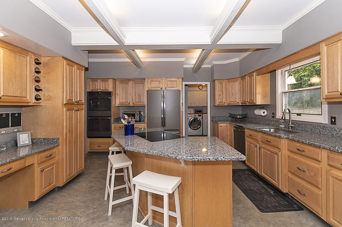 965 Whittier Dr - Kitchen - 15