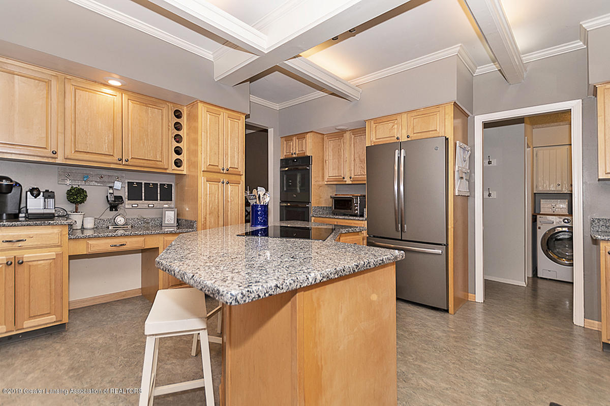965 Whittier Dr - Kitchen - 17