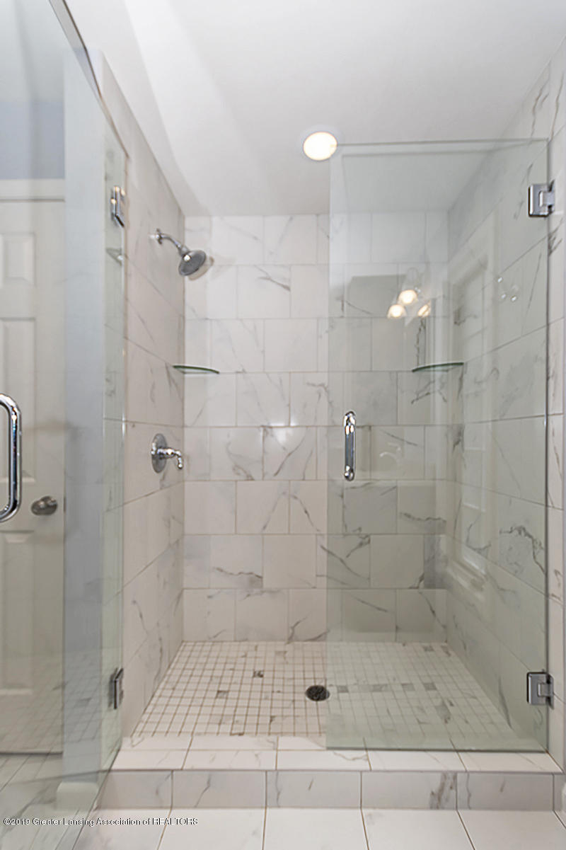 965 Whittier Dr - Master Bath - 26