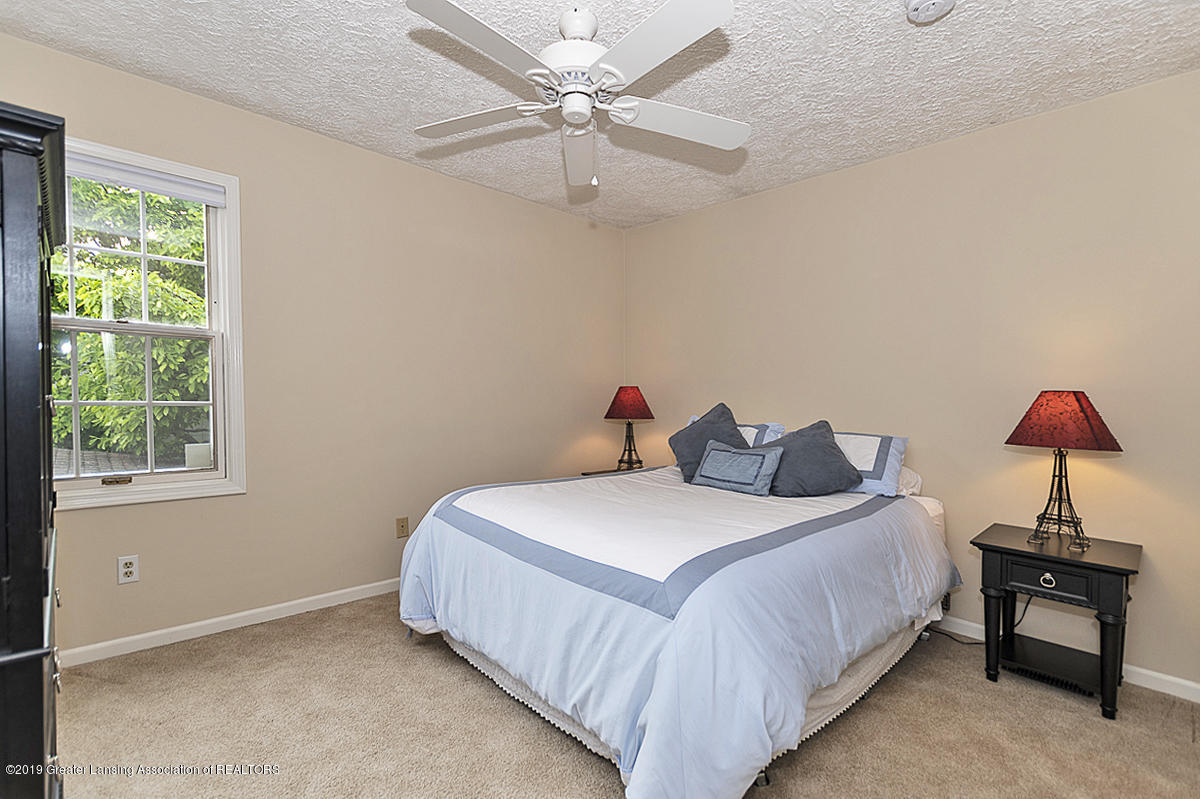 965 Whittier Dr - Bedroom 3 - 28