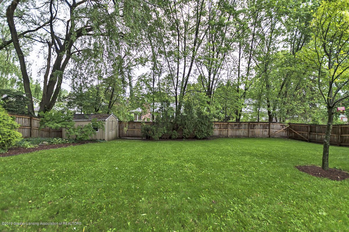 965 Whittier Dr - Back Yard View - 36