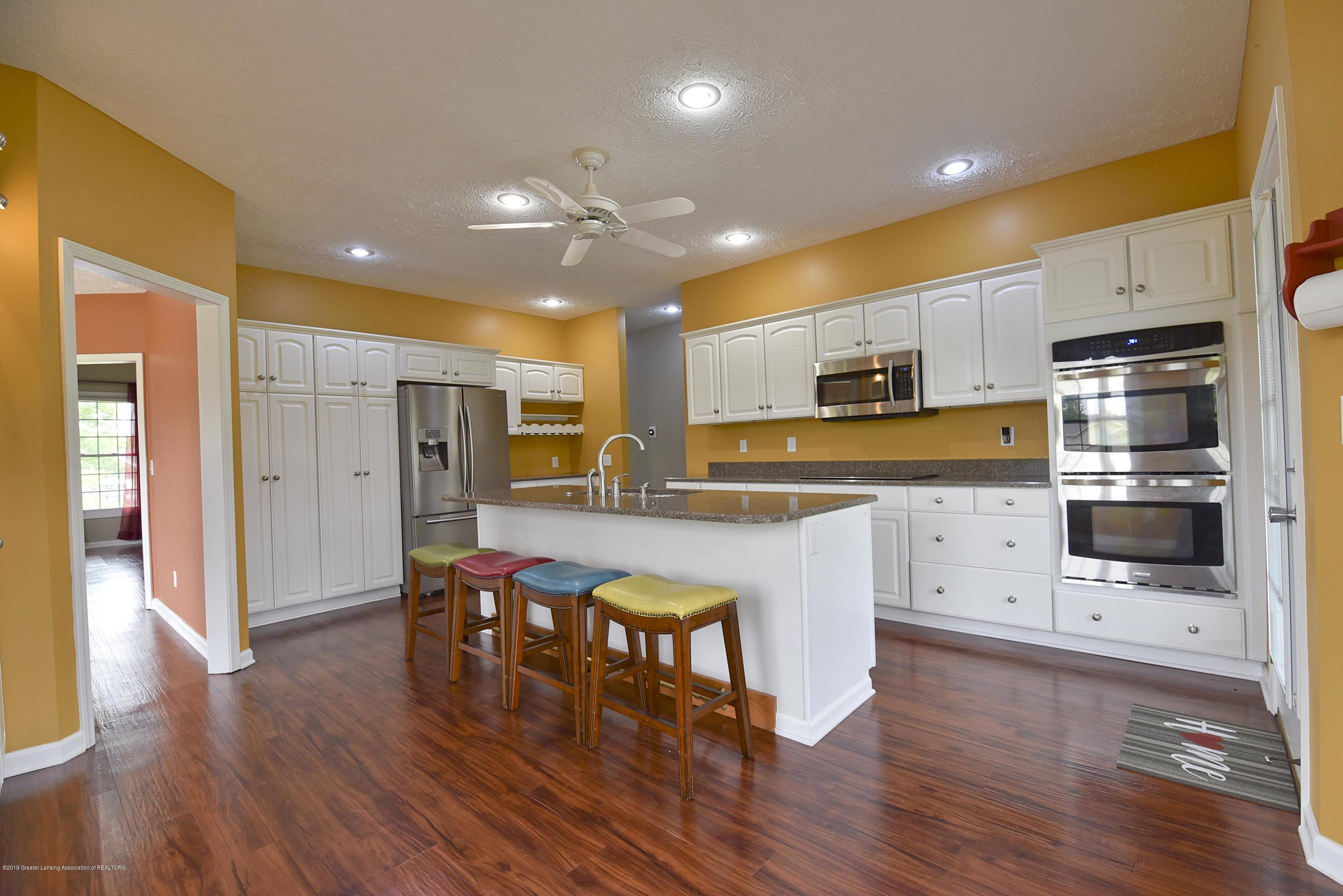 3300 Hollow Spring Dr - Kitchen - 21