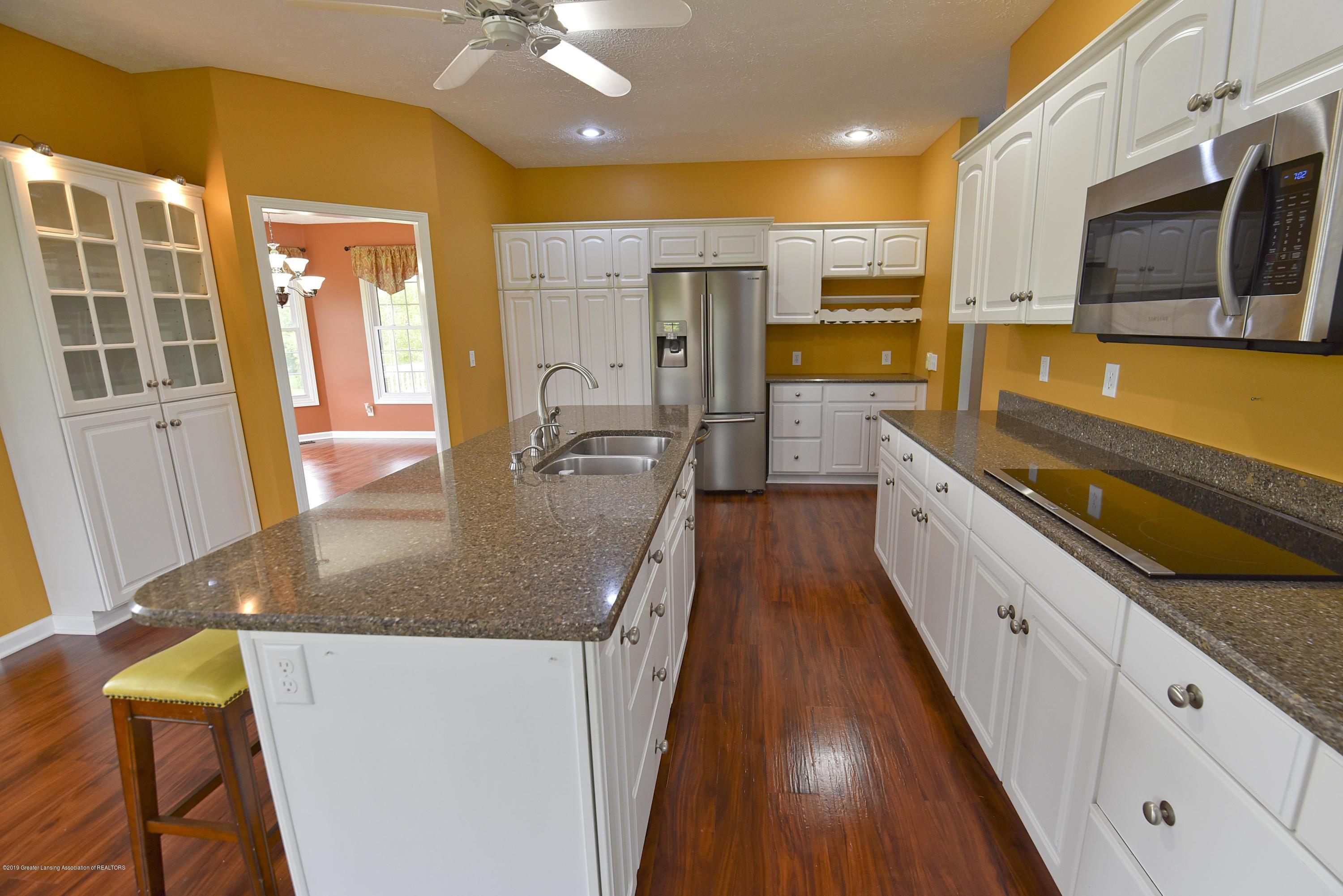 3300 Hollow Spring Dr - Kitchen - 23