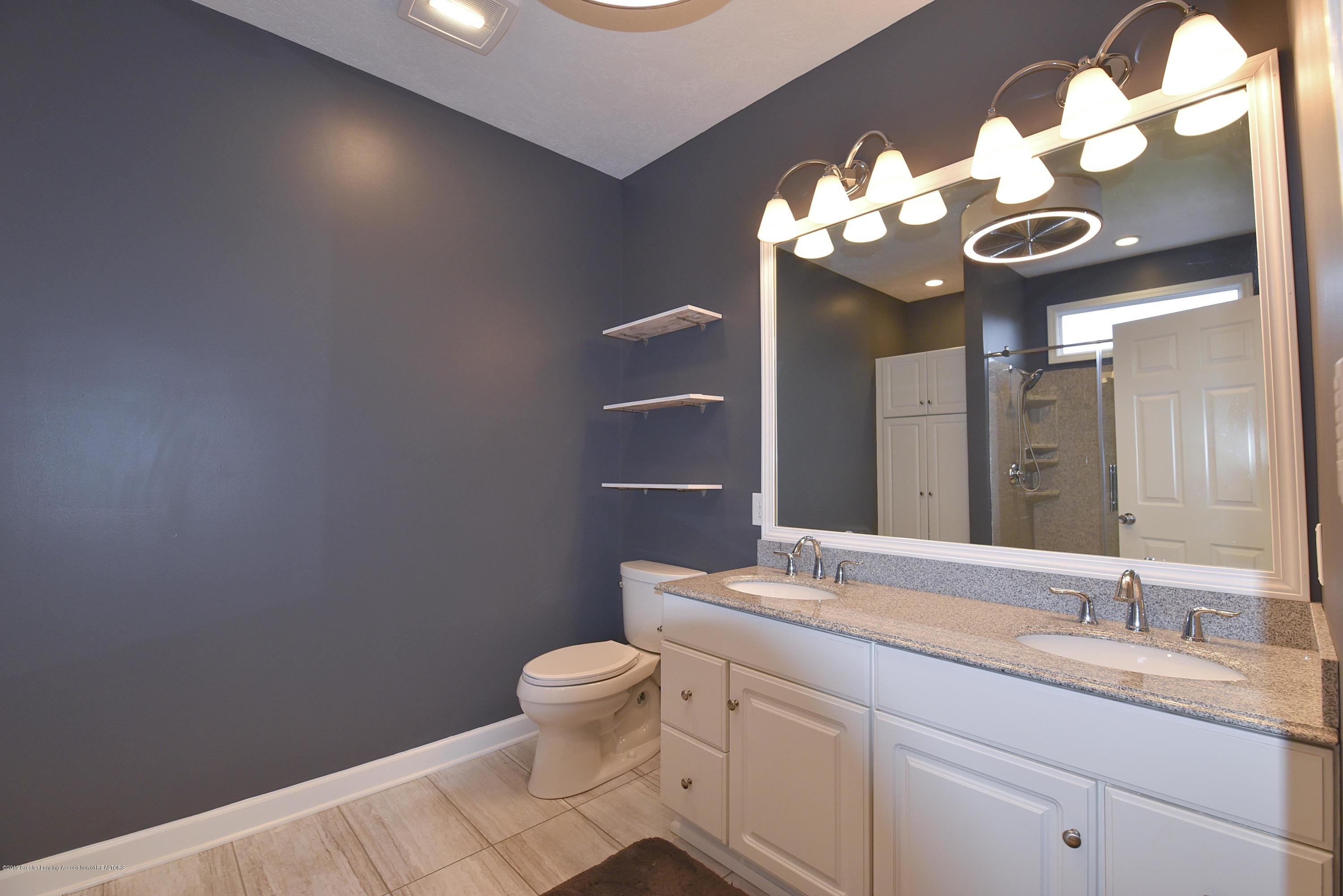3300 Hollow Spring Dr - Master bath - 30
