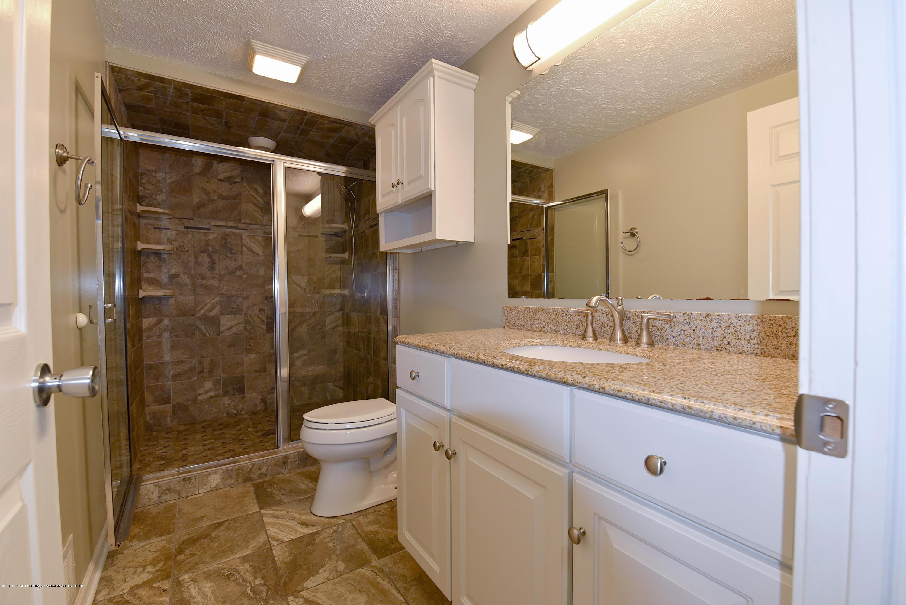 3300 Hollow Spring Dr - Lower level full bath - 40