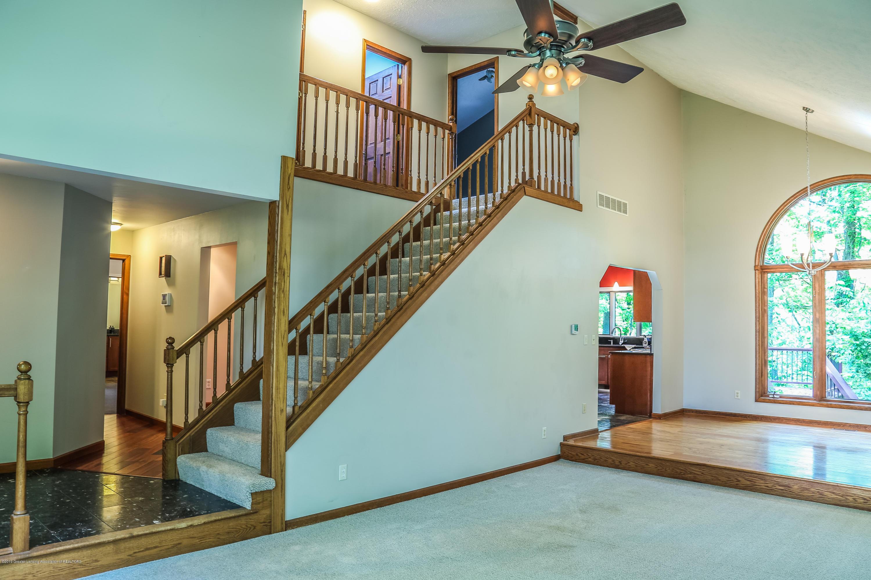 8250 Garrison Rd - Foyer - 16