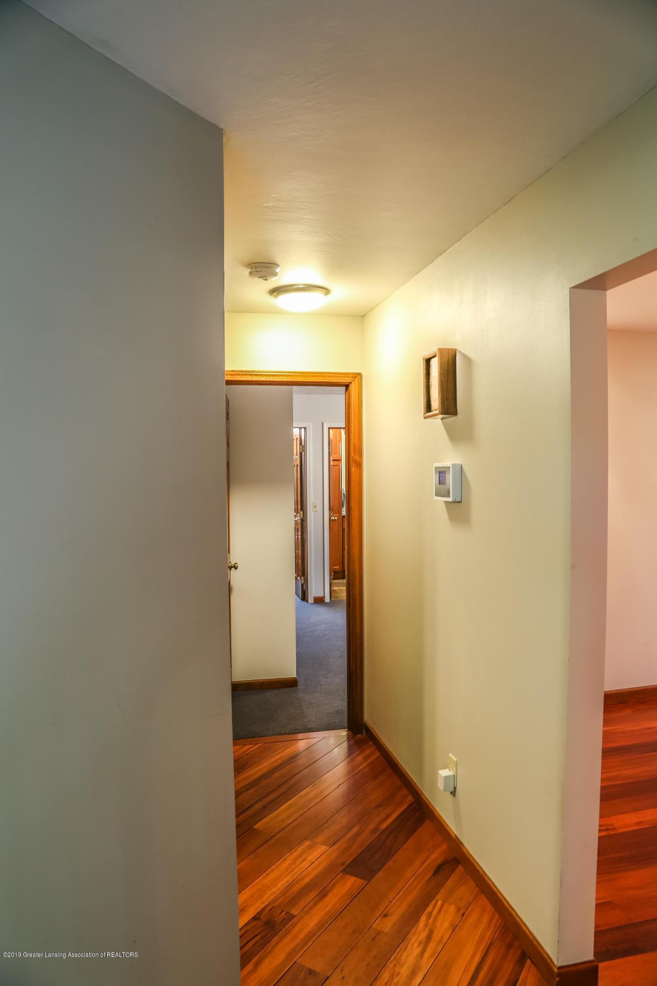 8250 Garrison Rd - Hallway - 30