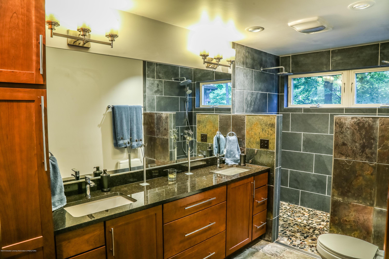 8250 Garrison Rd - Master Bath - 33