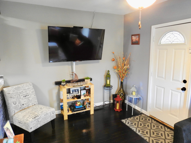 1101 Dakin St - Living Room - 3