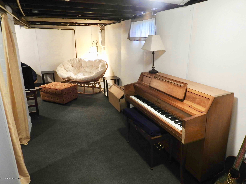 1101 Dakin St - Living area basement - 9